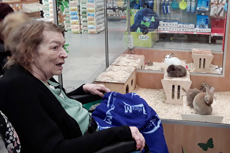 Abbotsleigh Care Home Outing to Pets at Home and Nandos