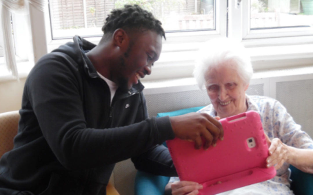 Bromley Park Care Home welcomes NCS volunteers and Zoolab animals