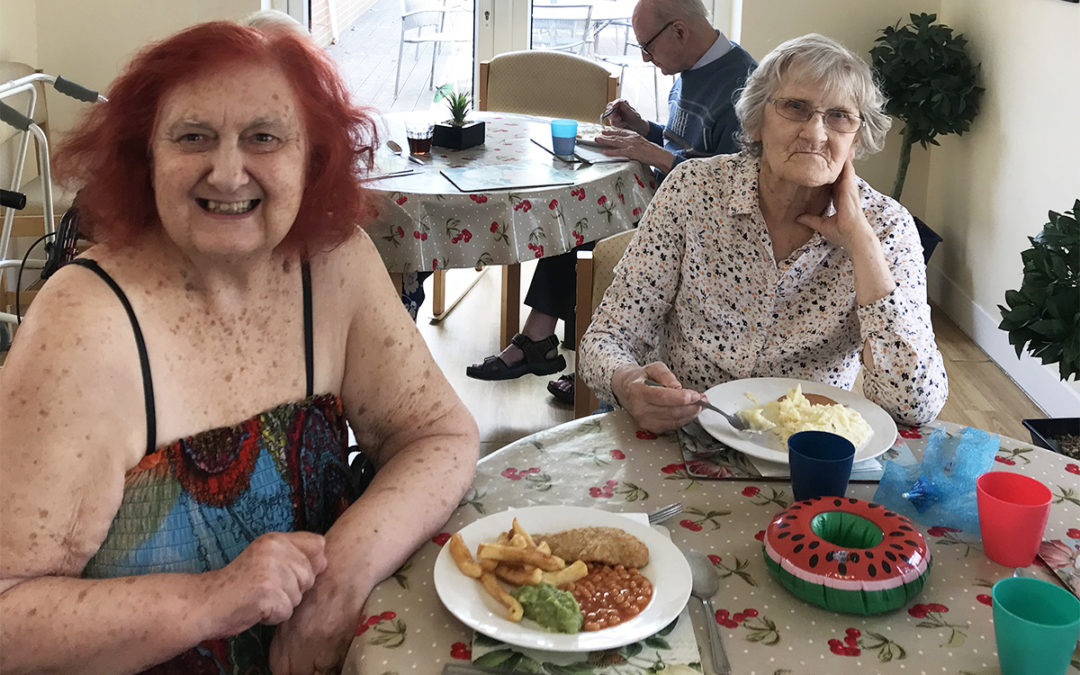 Lulworth House Residential Care Home hosts a seaside lunch