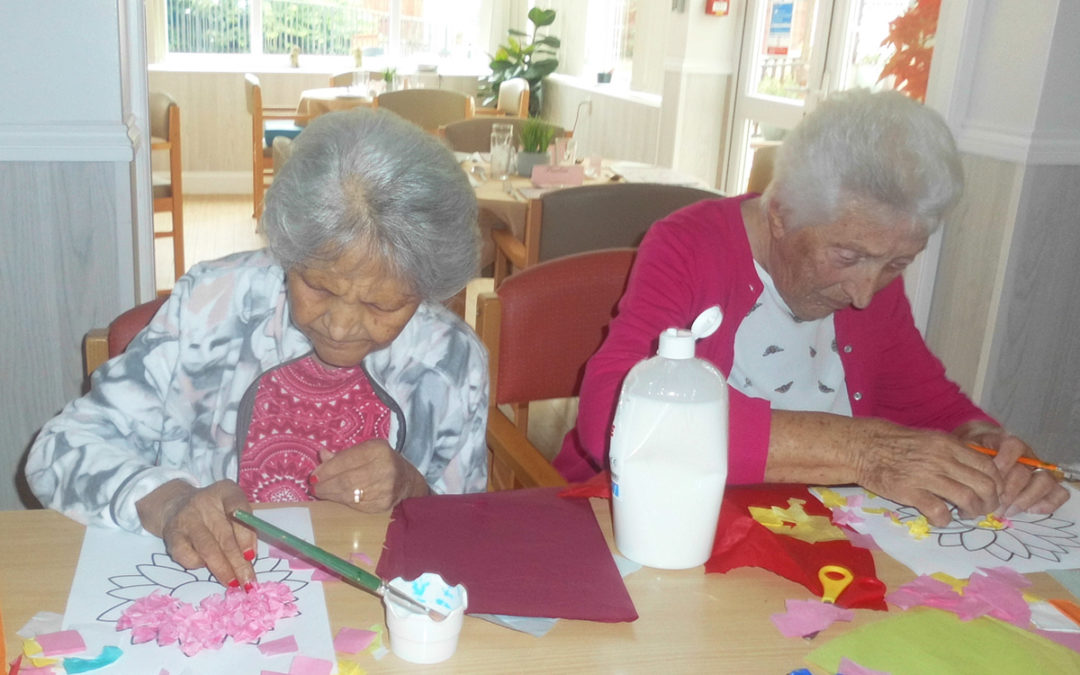 Flower-making at Woodstock Residential Care Home