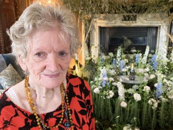 Lulworth House Residential Care Home residents enjoy Leeds Castle flower show